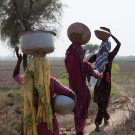 Pakistan: transporting over long distances