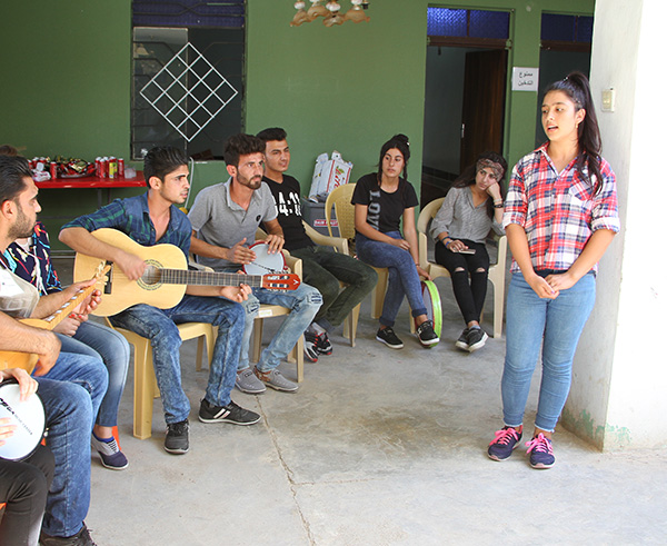 Peace projects in iraq - art, music and theatre